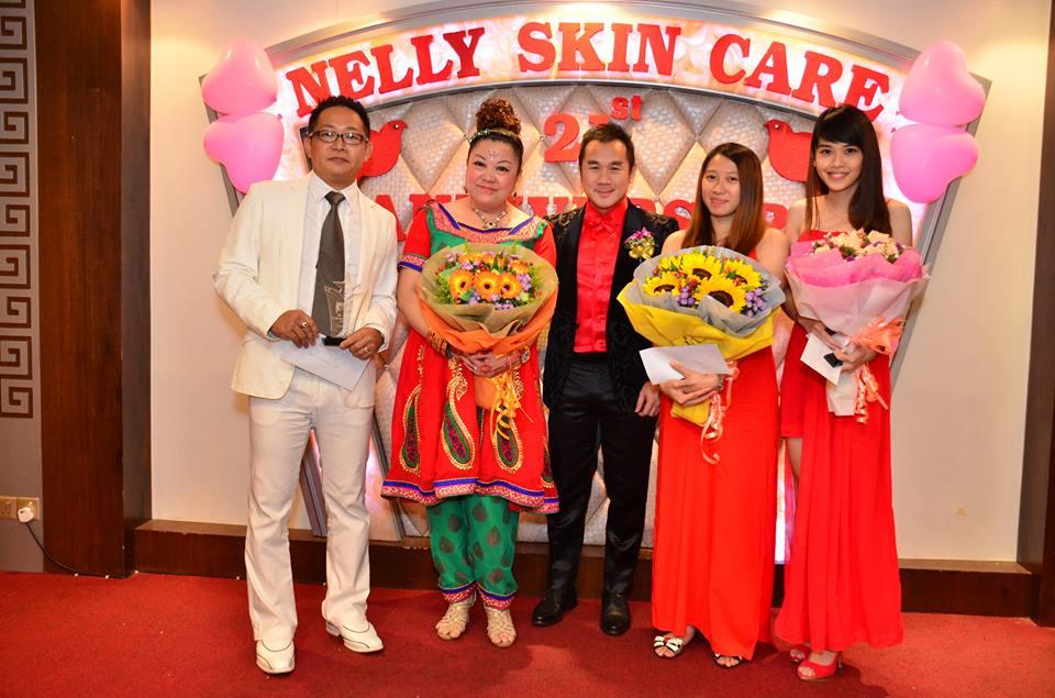 988 DJ KK 黃國翔 作为颁奖嘉宾颁奖与获奖的Nelly Skincare忠实客户们
